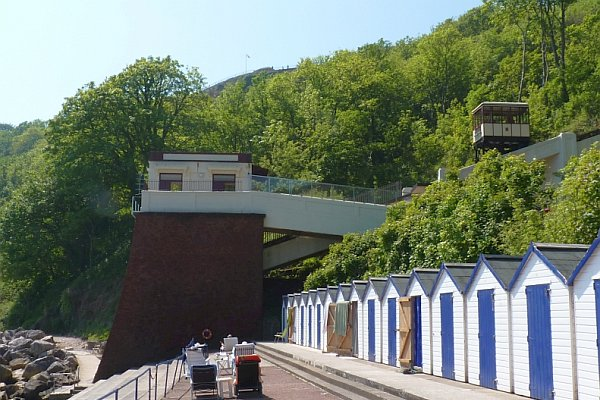 Babbacombe Cliff Railway descends to Oddicombe Beach